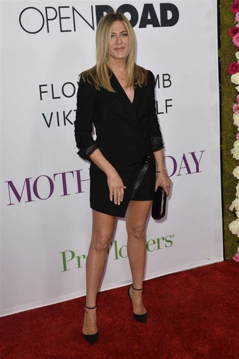 S Day Aniston Aniston Mothers Day Premiere 12 Gotceleb
