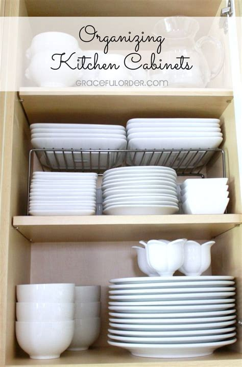 organizing cabinets in kitchen best 25 organizing kitchen cabinets ideas on