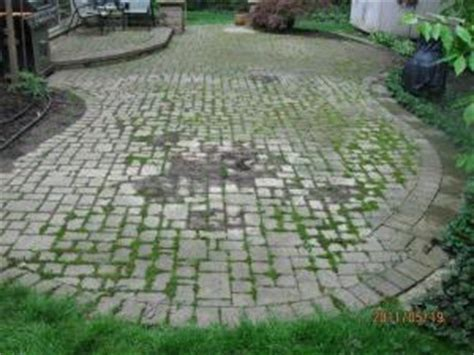Cleaning Patio Stones by Paver Brick And Concrete Walkway Patio Cleaning And