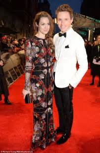 hannah redmayne joins husband eddie redmayne at the baftas