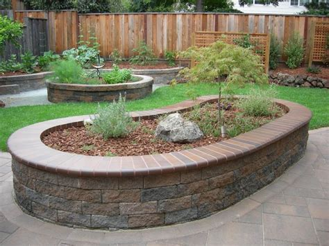 Raised Garden Bed On Concrete Patio by Pretty Raised Beds Made Out Of Pavers Outside Stuff
