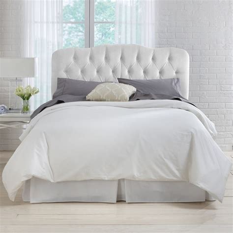 tufted headboard white 1000 ideas about white tufted headboards on pinterest