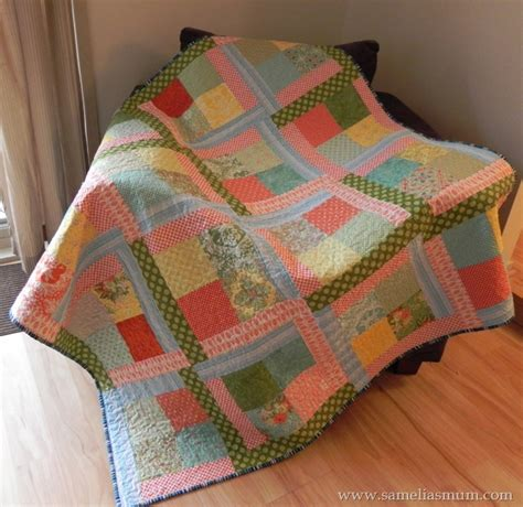 simple quilt pattern free scrappy flora easy quilt tutorial allfreesewing com