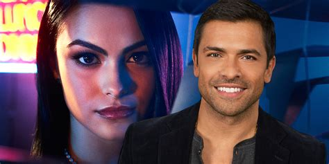 mark consuelos opens up about the first time he laid eyes on kelly mark consuelos meets his riverdale castmates celebmix
