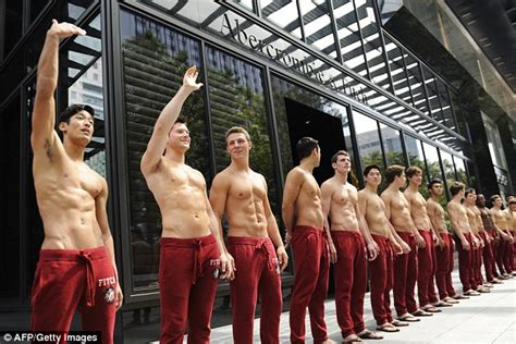 Abercrombie And Fitch Comes To Uk by Abercrombie And Fitch Vows To Stop Using Shirtless Models