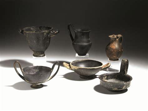 vasi di bucchero lotto di sei vasi in bucchero e a vernice nera