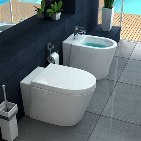 bagni italia vaso wc e bidet sospeso o a terra ceramica con chiusura
