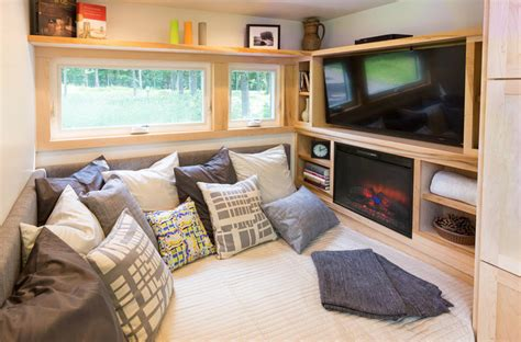 Escape The Unfixed Living Room Level 4 Looking For A Luxury Tiny House Tiny House Websites