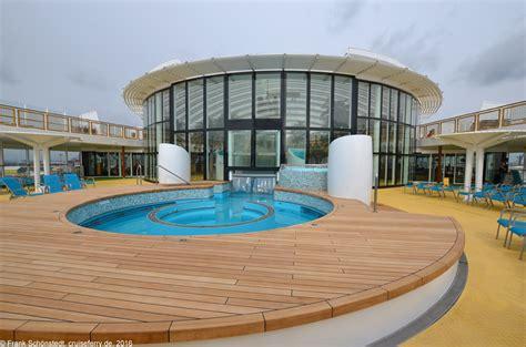 pool aidaprima an bord der aidaprima aida kreuzfahrten aida cruises