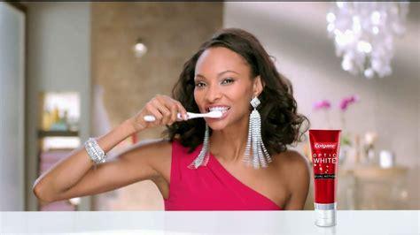colgate commercial actress colgate optic white dual action tv spot accessories