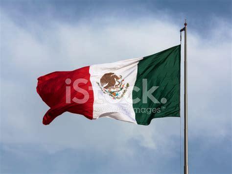 Kaos Greenlight Blue Sky Premium flag of mexico with blue sky stock photos freeimages