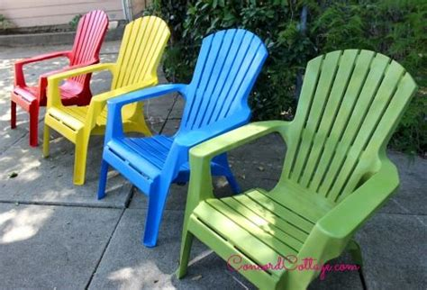 Paint For Outdoor Plastic Furniture by Painting Plastic Chairs How To Paint And How To Spray Paint On