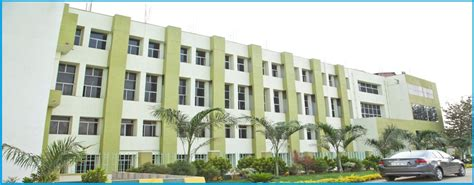 Nellore Priyadarshini College Of Engineering And Technology Mba Blazer by Sea College Of Engineering And Technology Mba Colleges
