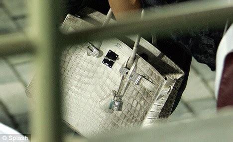 handbag eightythousand dollar money bags victoria beckham shows off 163 80 000 diamond