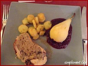 cuisiner les airelles poire poch 233 e au vin blanc sur lit d airelles recette