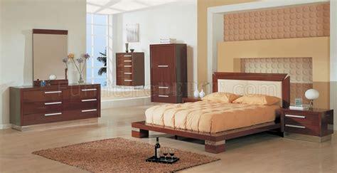 mahogany bedroom furniture contemporary 6 piece modern platform bedroom in high gloss mahogany finish