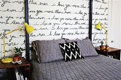 Diy Bedroom Wall by Diy Handwriting On Bedroom Wall Interiorish