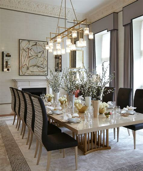 An Dining Room In The Dining Table For An Dining Room