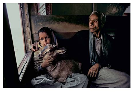 steve mccurry the iconic photographs photography phaidon store