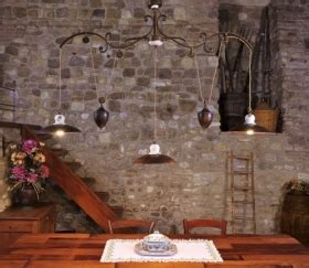 arredi in ferro battuto per interni lade rustiche in ceramica e ferro battuto illuminazione