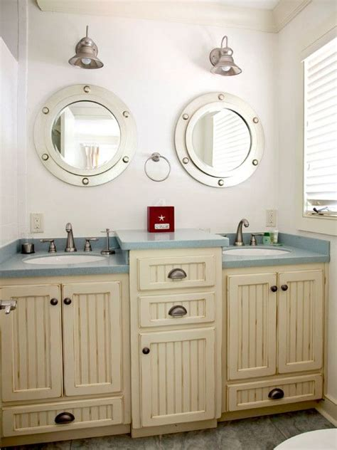 porthole bathroom cabinet 25 best ideas about vintage nautical bathroom on