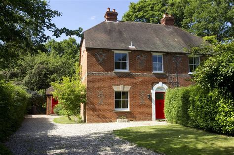 kate middleton home kate middleton s childhood home is sold at auction zimbio