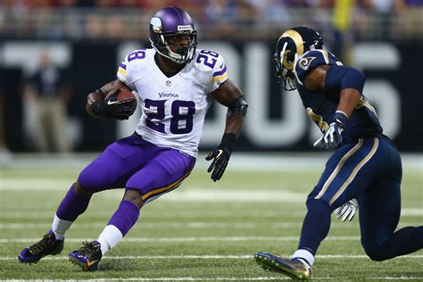 how much does adrian peterson bench press 100 adrian peterson bench press peterson cleared to