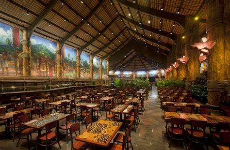polynesian cultural center earns attraction industry award