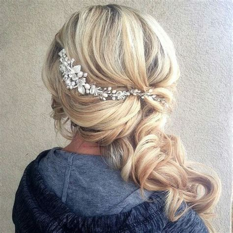 Wedding Hairstyles Pulled To The Side by Best 25 Bridal Side Hair Ideas On Side
