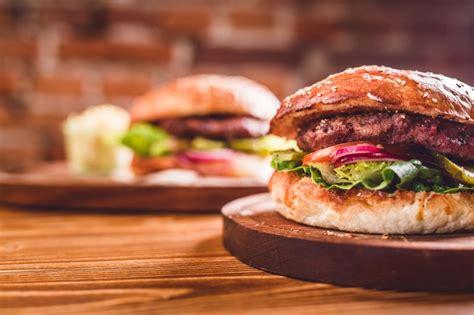 come cucinare l hamburger il decalogo dell hamburger perfetto la cucina italiana