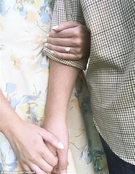 Jessa Duggar Wedding Ring Design by Josh Duggar Missing From Family Photo At Cousin S