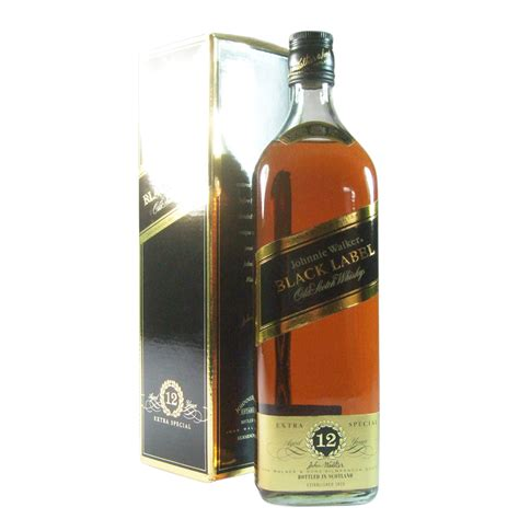 johnnie walker 12 year old black label blended whisky with box
