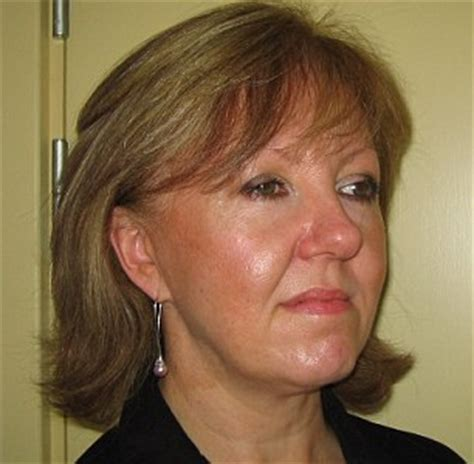hairstyles for an aging face with jowls hairstyles for women with sagging jowls