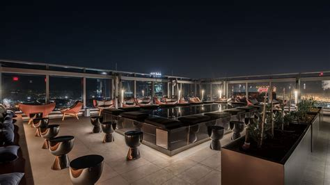 roof top bar la spire 73 happening in dtla