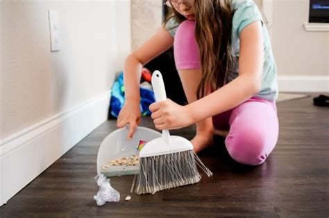 cleaning a house with preschoolers don t be silly have cleaning house with kids underfoot daily mom