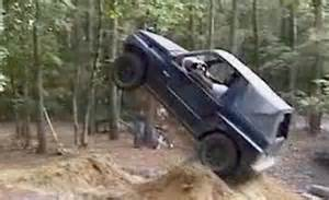 Suzuki Samurai Jump Suzuki Sidekick Jump Car News Car And Driver