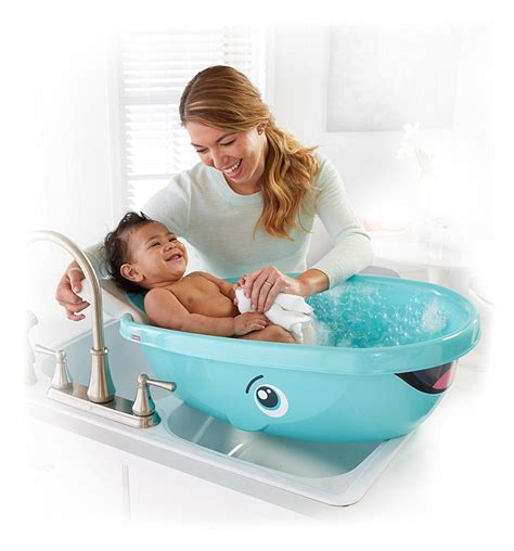 whale infant bathtub amazon com fisher price whale of a tub bathtub white baby
