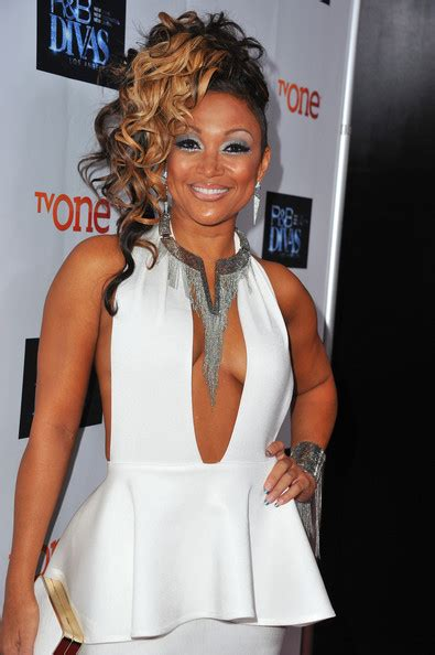 chante moore hair styles on r b diva more pics of chante moore pinned up ringlets 37 of 50