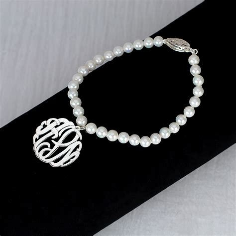 7 5mm fresh water pearl bracelet with 7 8 monogram
