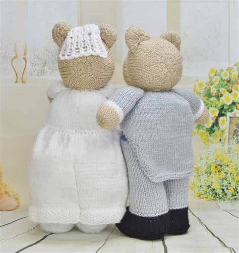 Wedding Gift Knitting Patterns by Bearly Wed Knitting By Post