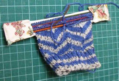 pattern drum in knitting life on the run drum roll please hold knitting in