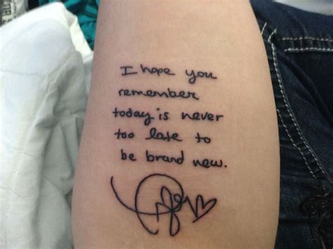 taylor swift tattoos a fan had lyrics written by