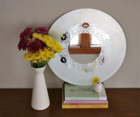 decorar un espejo con papel decora un espejo con pintura gu 237 a de manualidades