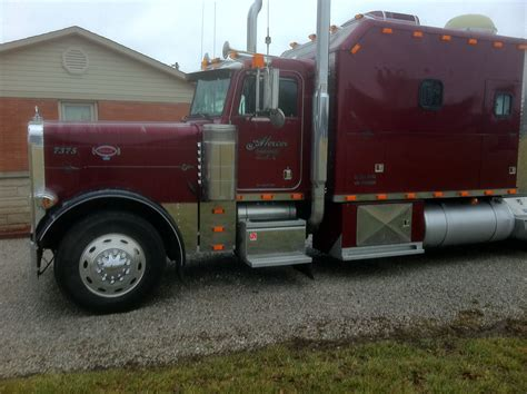 sleeper trucks with bathrooms for sale 1997 peterbilt mercer transportation co join the mercertown team