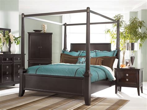 Martini King Canopy Bedroom Set by Martini Suite Cal King Canopy Poster Bed From