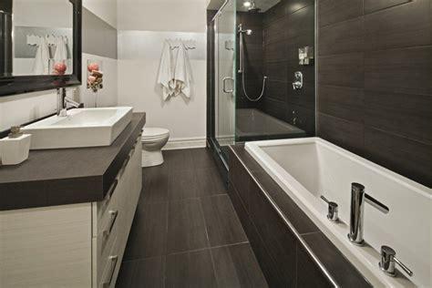 salle de bain baignoire et petit espace recherche