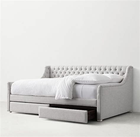 upholstered headboard daybed 25 best ideas about upholstered daybed on pinterest