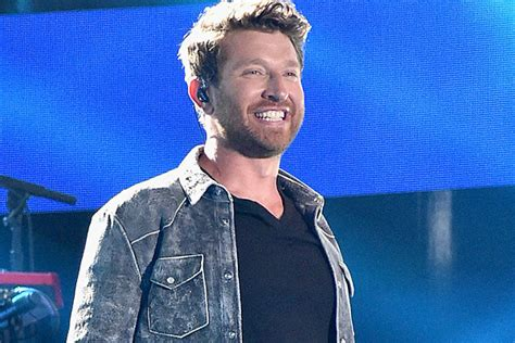 brett eldredge fan club brett eldredge urges fans to love someone in new song
