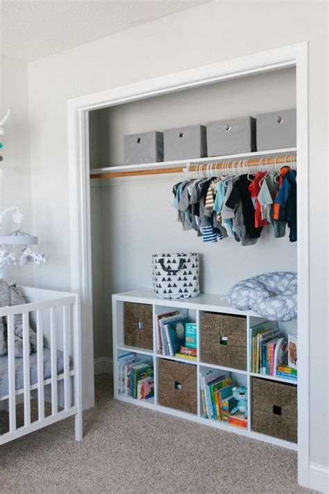 37 ideas to decorate and organize a nursery digsdigs - Wandschrank Kinderzimmer