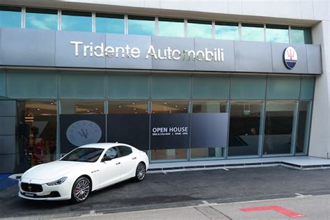 maserati singapore new maserati dealership takes a stab at italian luxury